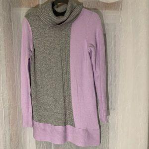 Rickis Dual Colour Semi-Asymmetrical Hem Sweater